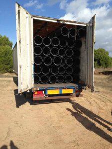 camion tubos